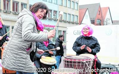 Gemeinsames Tanzen setzt Zeichen gegen Gewalt an Frauen