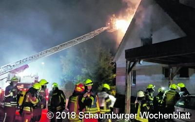 Brand und Unfall halten Feuerwehr auf Trab