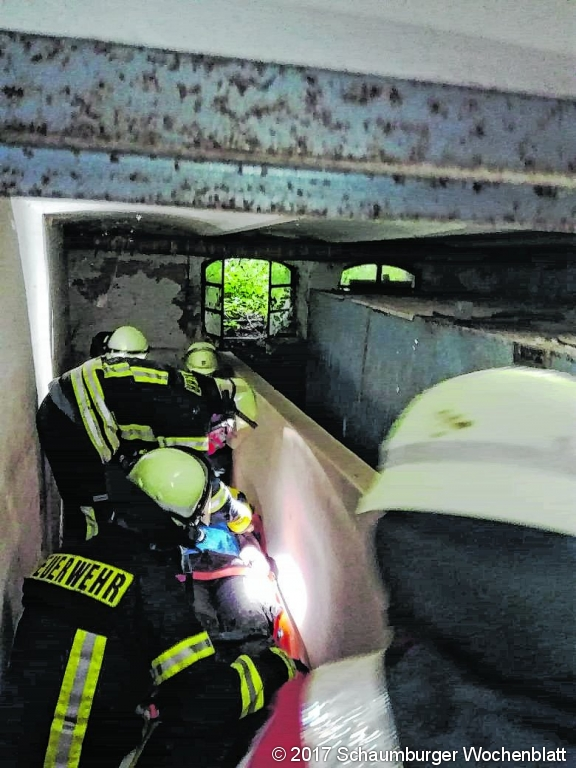 9481a7d8f58850 Schaumburger Wochenblatt » Feuerwehr und DRK trainieren Rettung ...