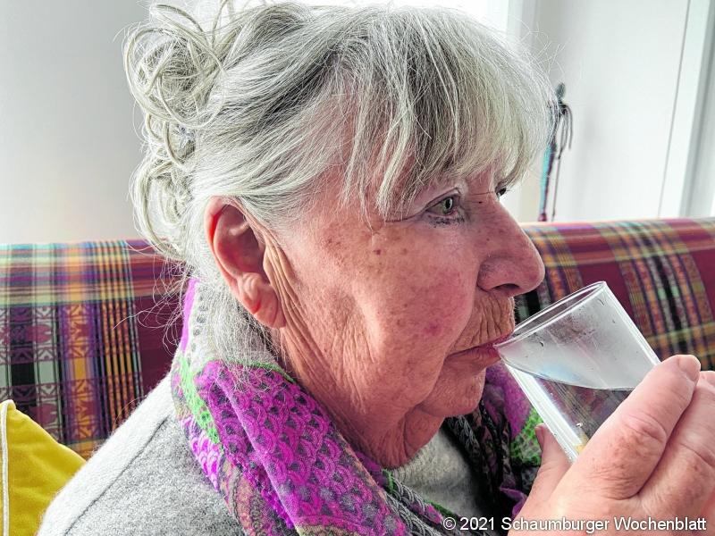 Trinken ist eine Grundvoraussetzung zum überleben. Maximal vier Tage kann ein Mensch ohne Trinken auskommen. Foto: ste