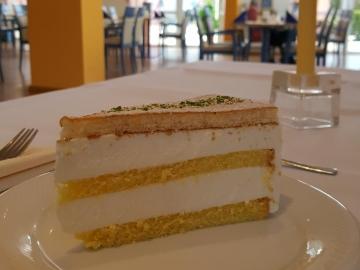 Cafe-Restaurant Vier Jahreszeiten 30 % auf ein Stück Torte nach Wahl